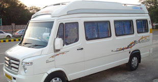Tempo-Traveller-In-Amritsar